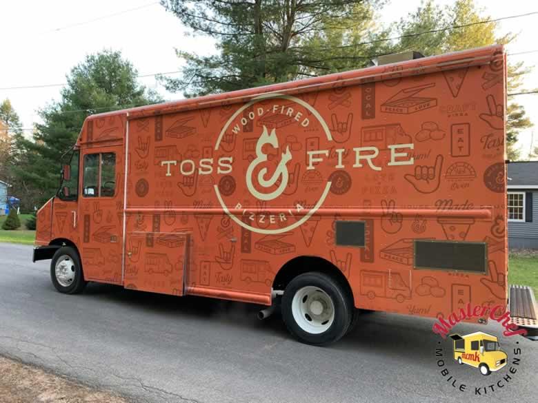 Toss N Fire Wood Fired Pizza Truck 3