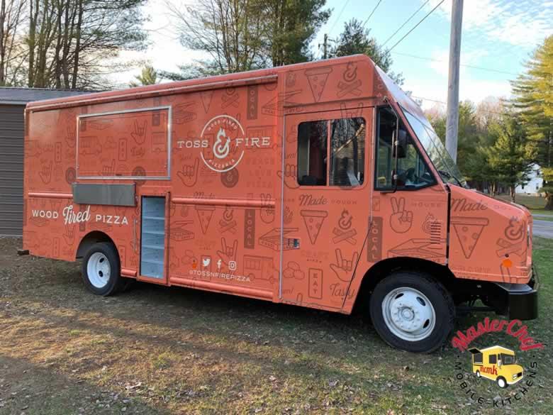 Toss N Fire Wood Fired Pizza Truck 4