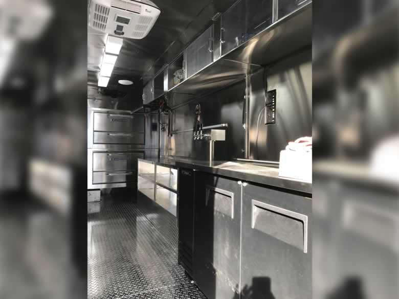 Famouse Famigilia Pizza Truck 5