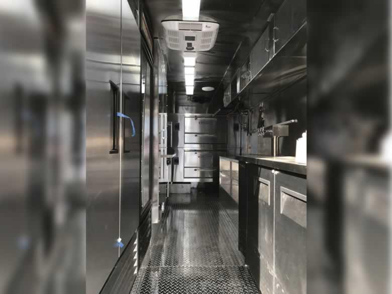 Famouse Famigilia Pizza Truck 6